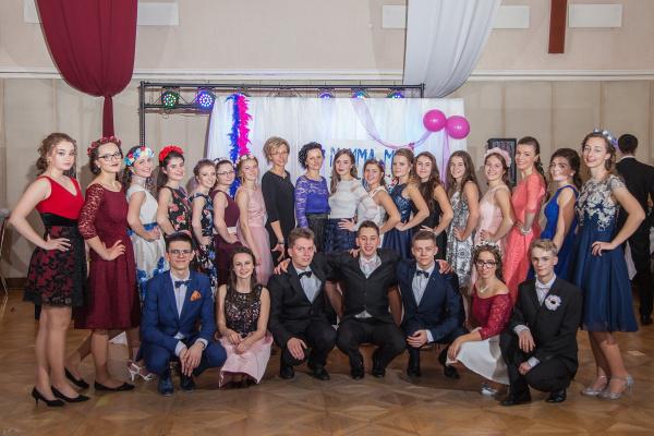 Happy School pripojiť Prom
